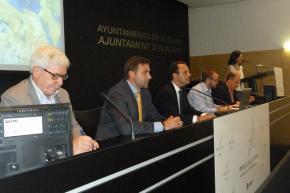 Mesa presidencial de la reunión del Comité Organizador DPEAlicante